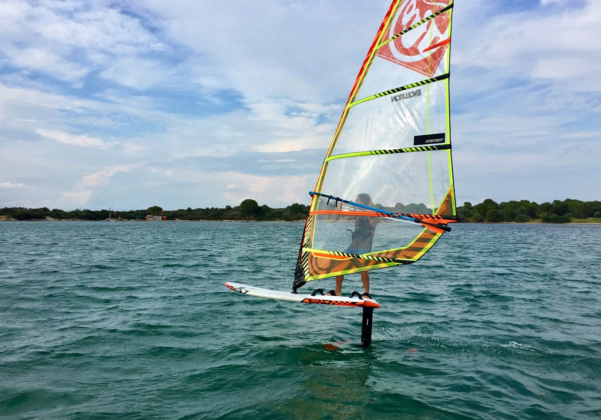 Person foil windsurfing